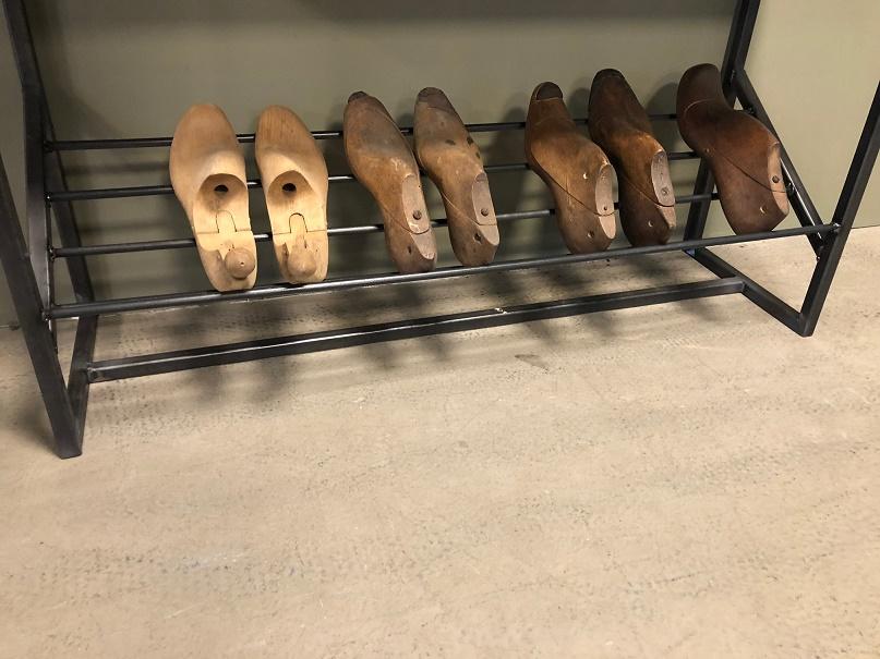 Halbankje Met Schoenenrek.Industrial Shoe Rack Bench Itsthat