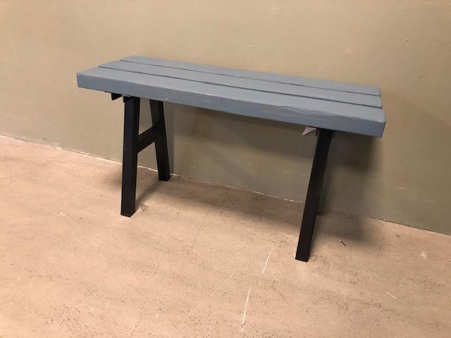 Houten Bankje Grijs.Industrial Grey Steel Bench Itsthat